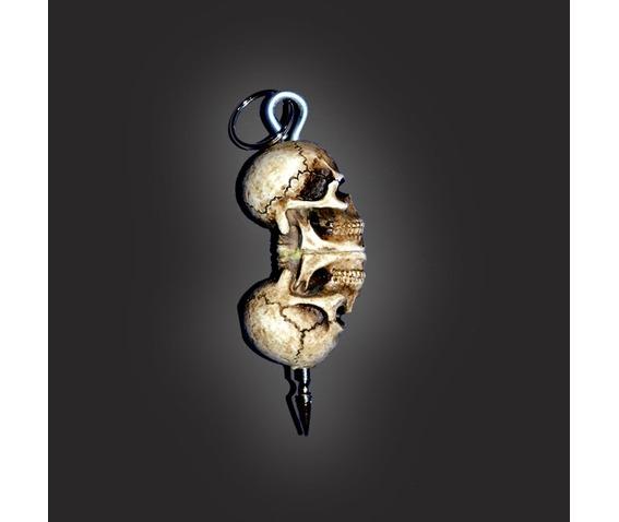 skull_keychain_with_1_inch_spike_keychains_2.jpg