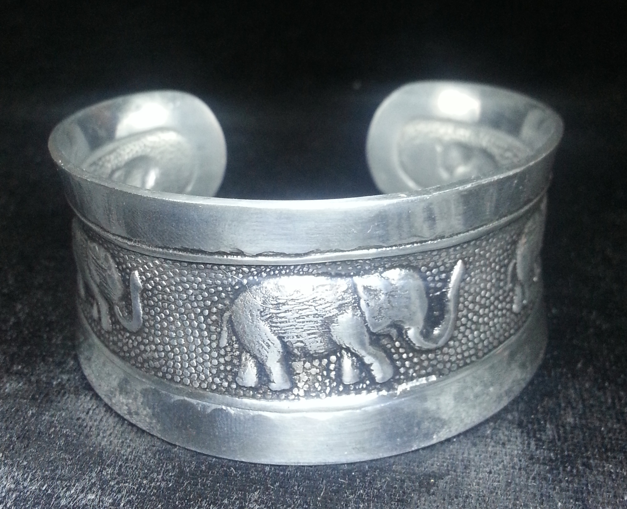 gothic_stainless_steel_punk_elephant_cuff_bangle_bracelets_silver_color_men_women_biker_2_bracelets_4.jpg