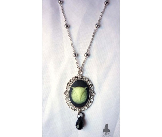 tyto_alba_owl_necklace_glow_dark_elvish_gothic_wicca_pagan_glow_in_the_dark_necklaces_5.jpg