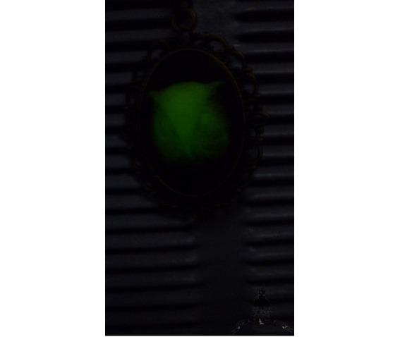 tyto_alba_owl_necklace_glow_dark_elvish_gothic_wicca_pagan_glow_in_the_dark_necklaces_3.jpg