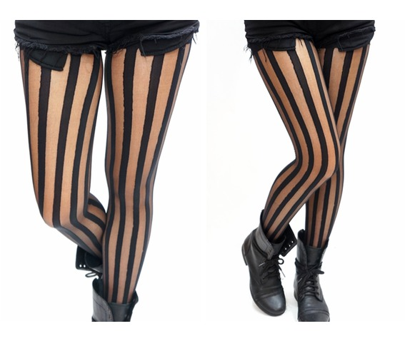 vertical_striped_black_tights_pantyhose_socks_3.jpg