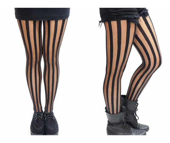 vertical_striped_black_tights_pantyhose_socks_2.jpg