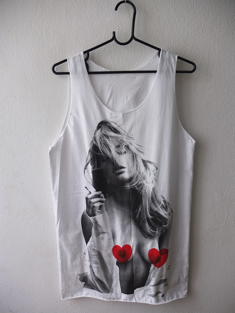 kate_moss_fashion_pop_rock_fashion_funky_cool_vest_tank_top_tanks_tops_and_camis_2.jpg