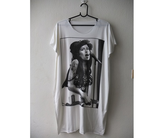 amy_winehouse_fashion_funky_pop_80s_rock_dress_l_dresses_4.jpg