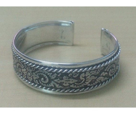 bangle_cuff_bracelet_women_stainless_steel_classic_vintage_antique_old_thai_design_pattern_emboss_twine_strand_silver_colo_bracelets_5.jpg