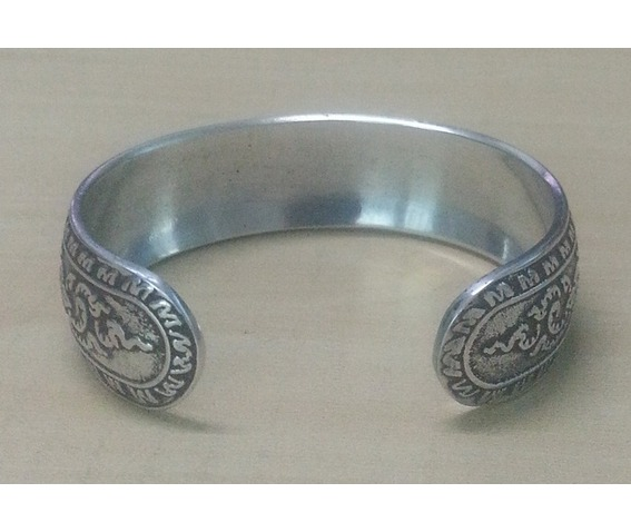 bangle_cuff_bracelet_women_stainless_steel_antique_thai_design_pattern_emboss_silver_color_2_bracelets_5.jpg