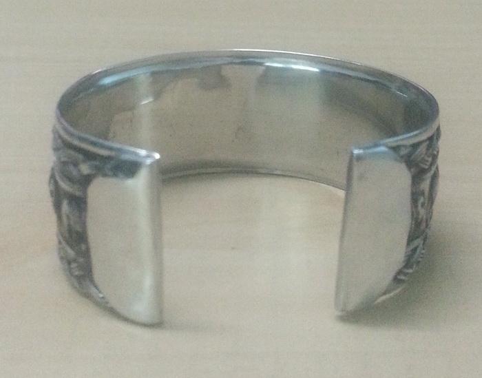 bangle_cuff_bracelet_women_stainless_steel_elephant_twine_strand_emboss_silver_color_bracelets_5.jpg