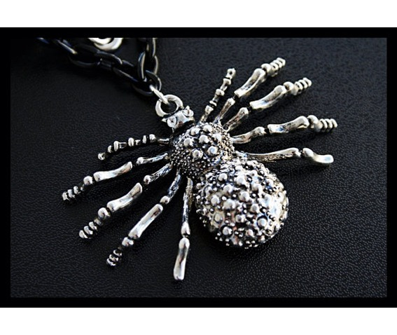 creepy_crawly_large_spider_necklace_necklaces_3.jpg