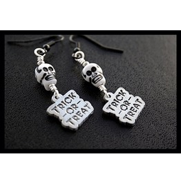 Trick Treat Skull Earrings