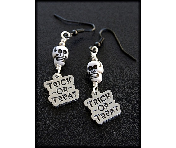 trick_treat_skull_earrings_earrings_2.jpg
