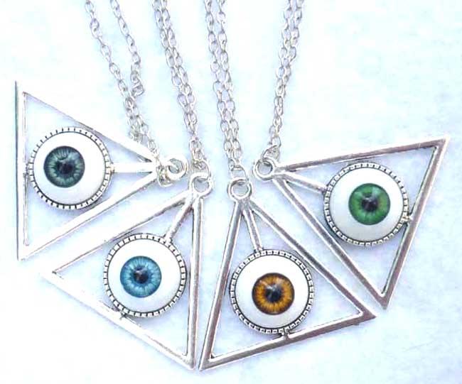 nec_deum_nec_dominum_dark_blue_eye_long_necklace_esoteric_evil_witch_halloween_wicca_goth_necklaces_2.JPG