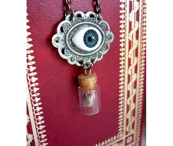 the_last_tear_necklace_esoteric_evil_witch_halloween_wicca_goth_vial_necklaces_7.JPG