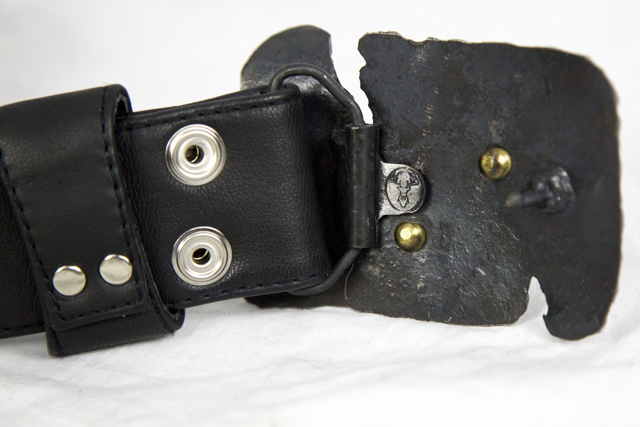 ripped_iron_crater_belt_buckle_belts_and_buckles_3.jpg