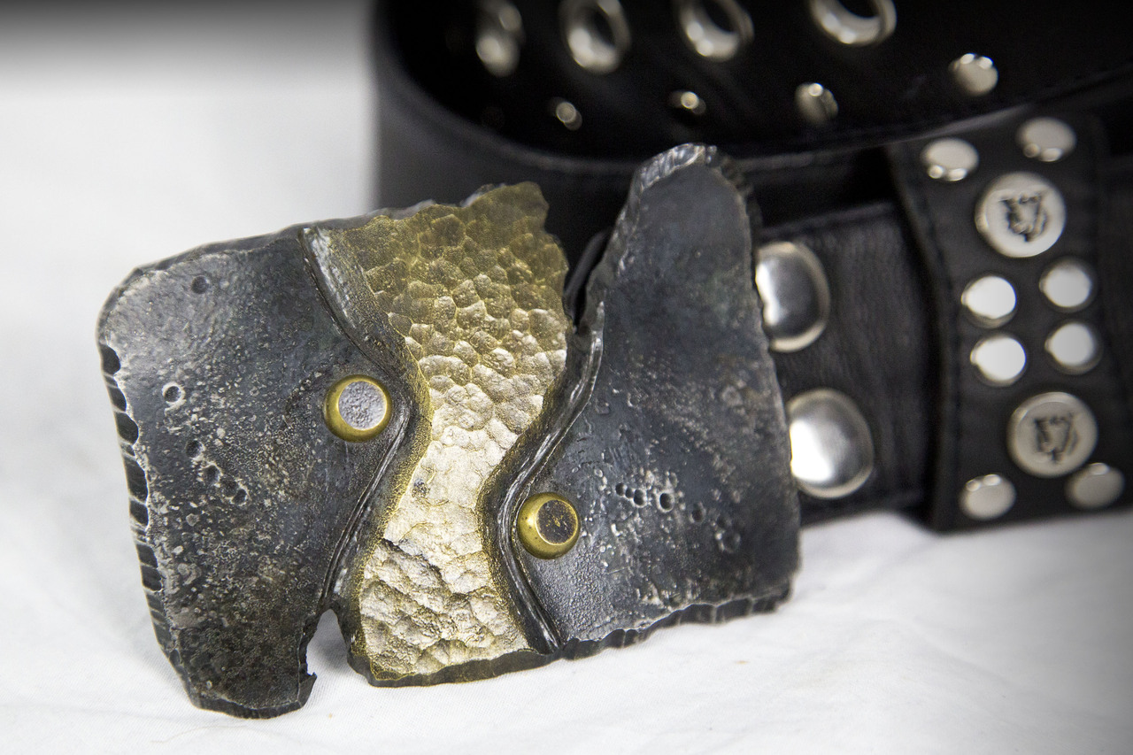 ripped_iron_dual_tone_belt_buckle_belts_and_buckles_4.jpg