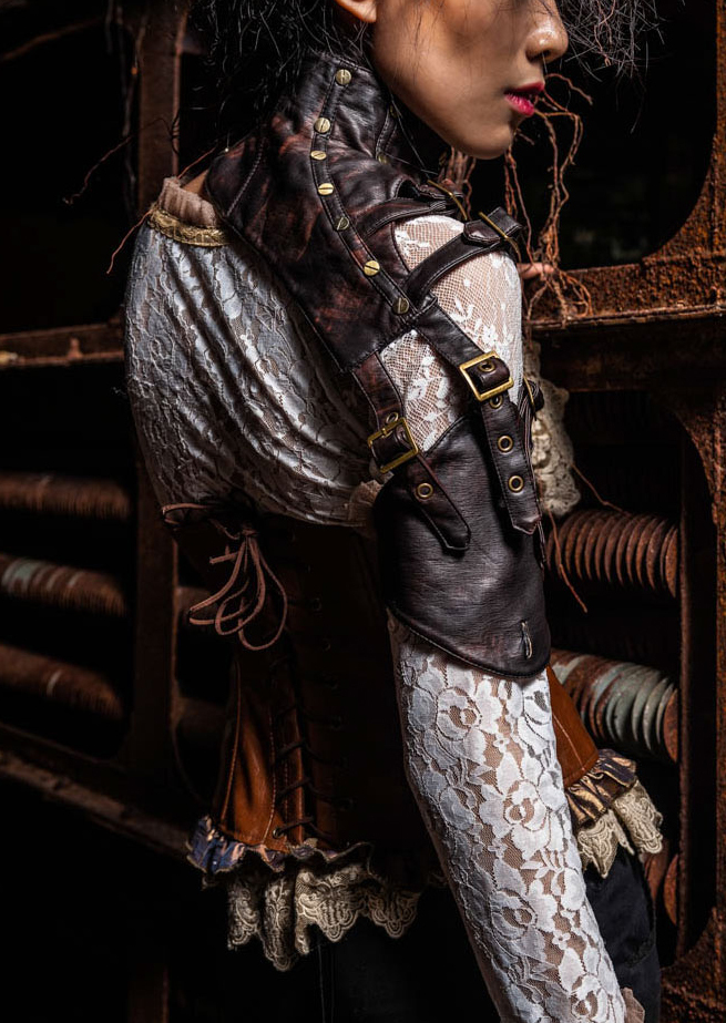 leather_monosleeve_by_red_queen_gloves_4.jpg