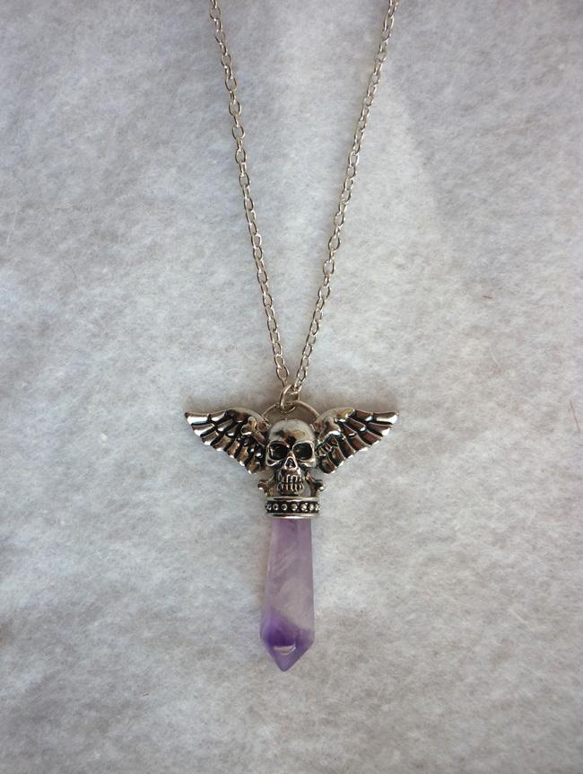 the_pale_amethyst_pendulum_strigoi_necklace_ii_pagan_wicca_dark_mori_skull_wings_mystic_reiki_chakra_necklaces_5.JPG