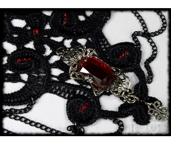 choker_black_lace_necklace_gothic_dark_victorian_necklaces_4.JPG
