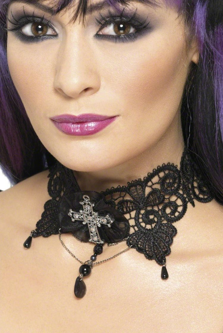 Styling Tips: How To Find The Right Gothic Choker For You