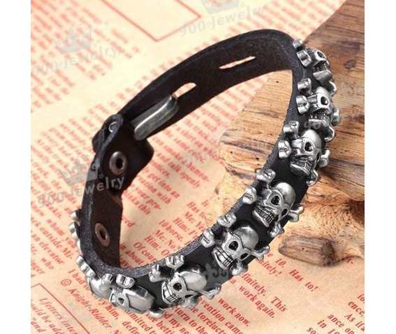 men_skull_stud_spot_belt_leather_bracelet_wristband_cuff_fastener_black_bracelets_3.JPG