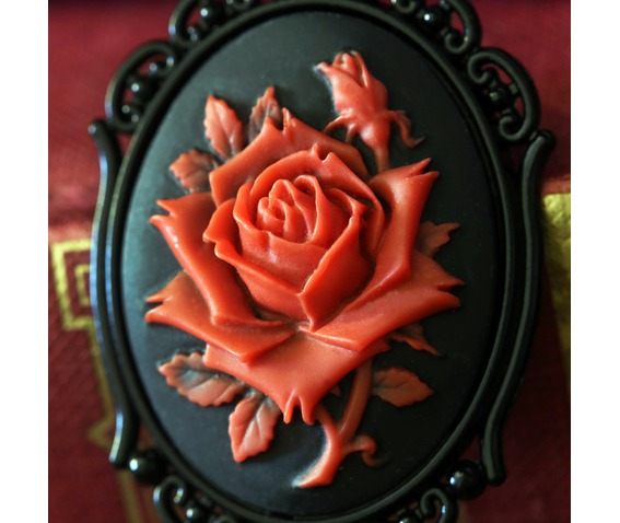 red_rose_cameo_necklace_necklaces_4.jpg