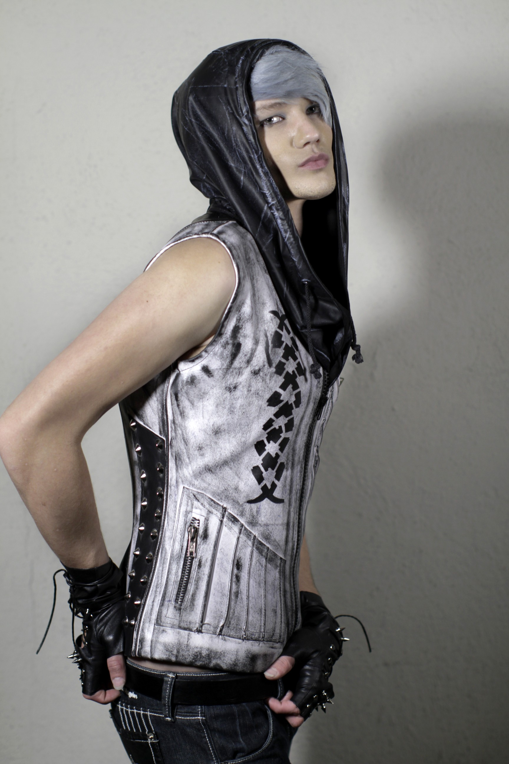 exnihilo_removable_hooded_vest_white_variant_two_hoodies_and_sweatshirts_4.jpg
