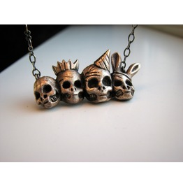 Party Go On, Skull Necklace