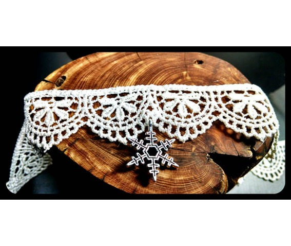 handmade_frozen_snowflake_winter_ivory_white_lace_choker_necklace_victorian_necklaces_5.jpg