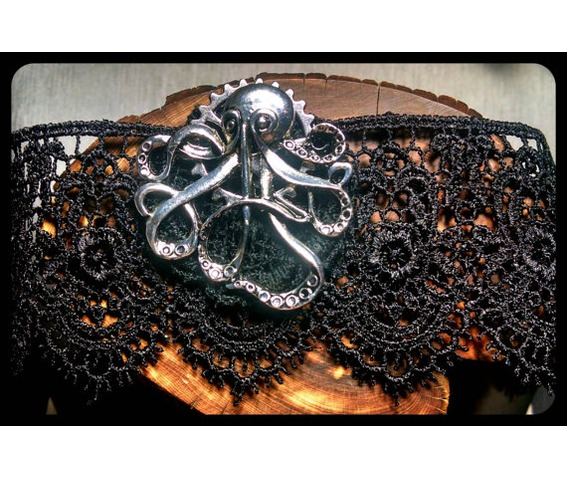 handmade_antique_silver_steampunk_octopus_gear_black_lace_choker_necklace_necklaces_6.jpg