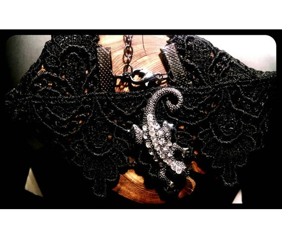 handmade_crawling_lizard_salamader_newt_black_lace_choker_necklace_necklaces_6.jpg