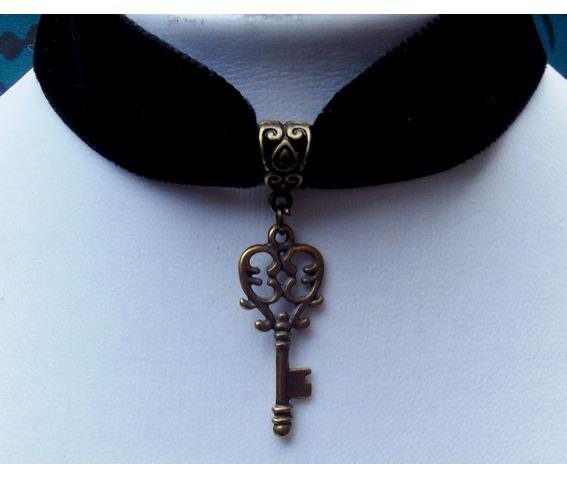gothic_steampunk_bronze_plated_key_pendant_black_velvet_choker_necklaces_2.jpg