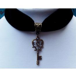 Gothic Steampunk Bronze Plated Key Pendant Black Velvet Choker