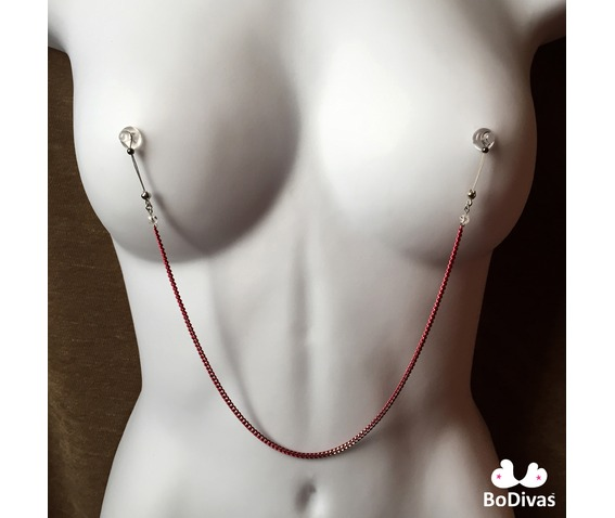 nipple_noose_burlesque_chain_red_swarovski_crystals_non_piercing_nipple_rings_5.jpg