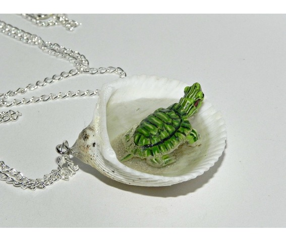 tiny_turtle_jacuzzi_seashell_necklace_necklaces_11.jpg