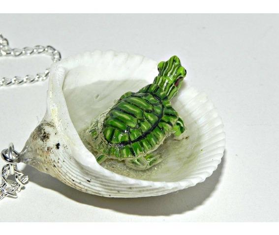tiny_turtle_jacuzzi_seashell_necklace_necklaces_10.jpg