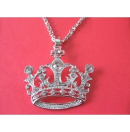 Crown Crystals Necklace $6 To Ship