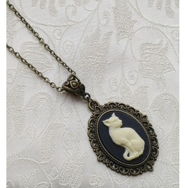 Gothic Pagan Witch Cat Cameo Bronze Plated Pendant Necklace