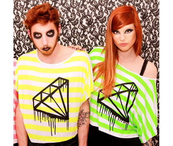 black_bleeding_melting_diamond_tshirt_fluo_neon_pink_green_yellow_stripes_t_shirts_5.jpg