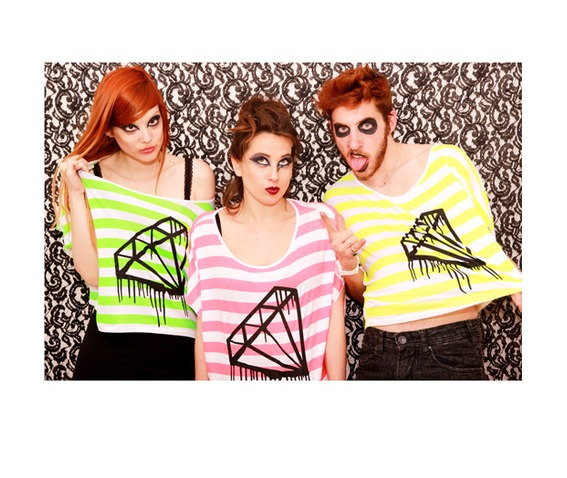 black_bleeding_diamond_tshirt_fluo_neon_pink_green_yellow_stripes_t_shirts_2.jpg