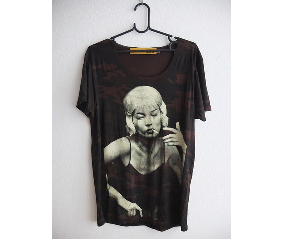 kate_moss_fashion_pop_rock_punk_indie_t_shirt_low_cut_m_shirts_5.jpg