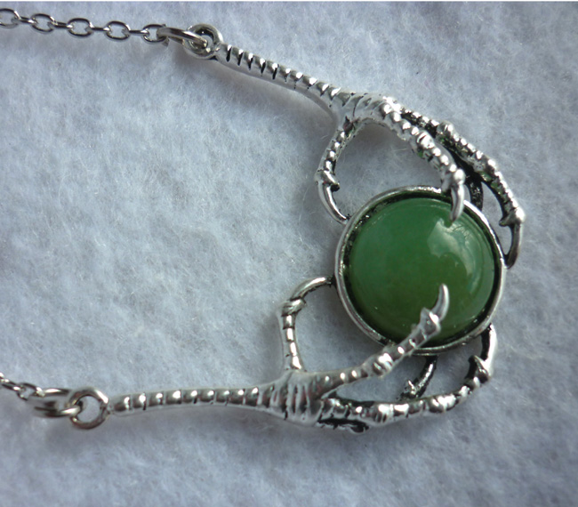 the_dragon_stone_necklace_green_aventurine_claws_game_of_thrones_daenerys_necklaces_6.JPG