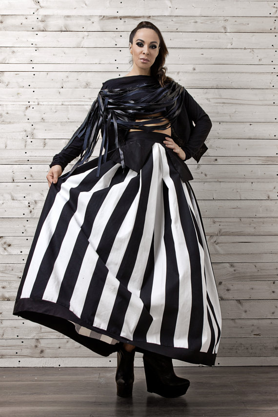 a_line_striped_maxi_skirt_monochrome_maxi_skirt_oversize_long_skirt_skirts_5.jpg