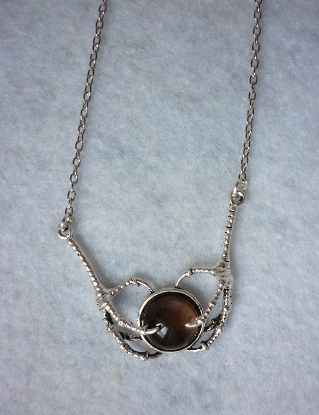 the_dragon_stone_necklace_smoked_quartz_claws_game_of_thrones_daenerys_necklaces_7.JPG