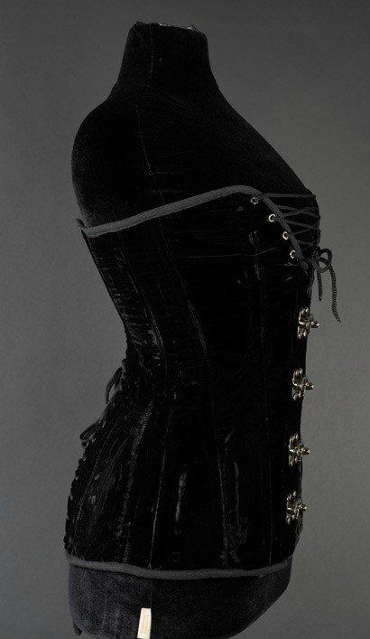 steel_boned_longline_cleavage_velvet_overbust_corset_bustiers_and_corsets_3.jpg