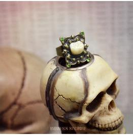 Creepy Molar Ring : Antique Bronze Adjustable Ring