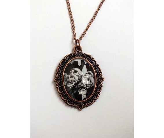 handmade_necklace_skeletons_suits_pendant_cooper_color_metal_details_necklaces_3.jpg