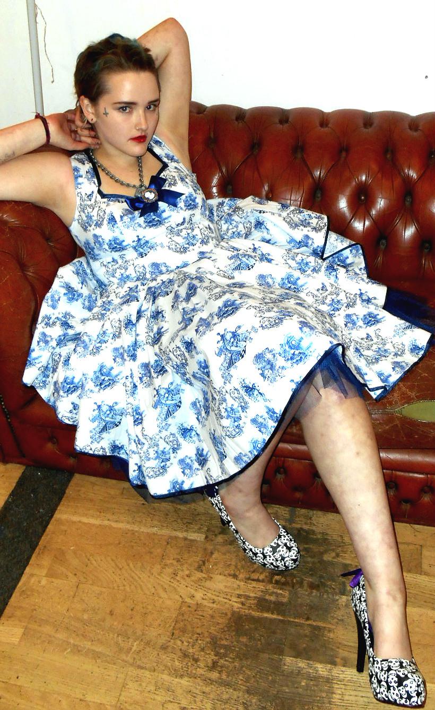 hell_bunny_cameo_dress_netted_dresses_3.jpg
