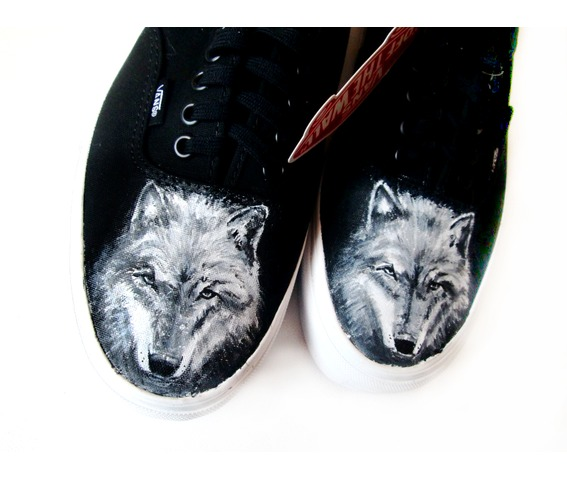 handpainted_shoes_wolves_shoes_wolf_personalized_sneakers_fashion_sneakers_2.jpg