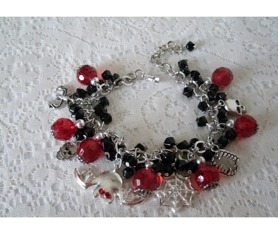 immortal_love_charm_bracelet_goth_rockabilly_steampunk_vampire_necklaces_5.JPG