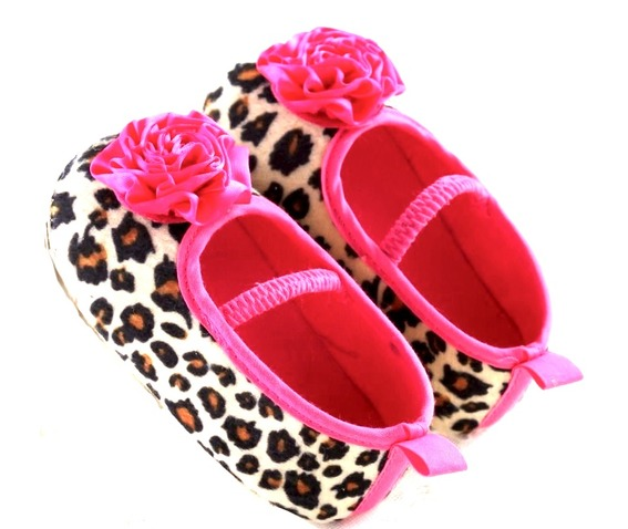 cute_leopard_pumps_child_aged_standard_tops_4.jpg