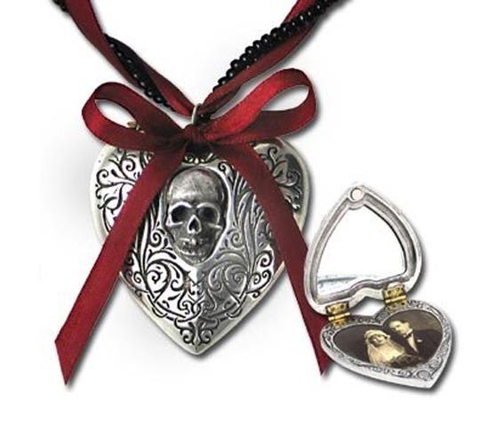 reliquary_heart_gothic_locket_alchemy_gothic_pendants_2.jpg